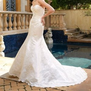 Casablanca bridal gown